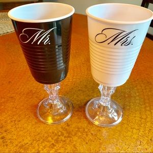 Other - Mr. & Mrs. bridal solo cups